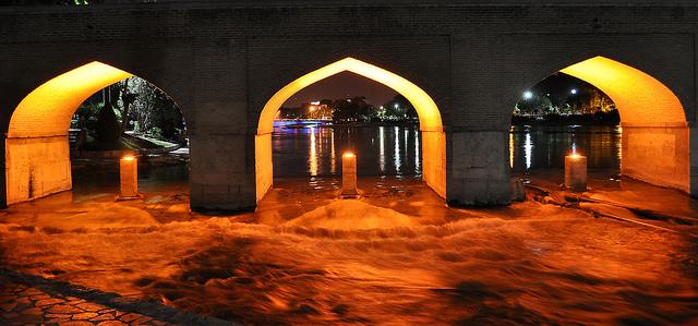 Zayandeh River at night - شب هاي زاينده رود