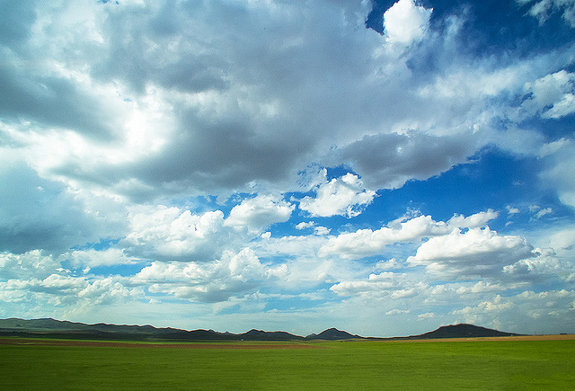 Spring Clouds - ابرهای بهاری