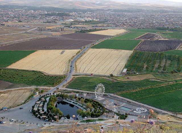 Haft Cheshmeh (Seven Springs) - ه